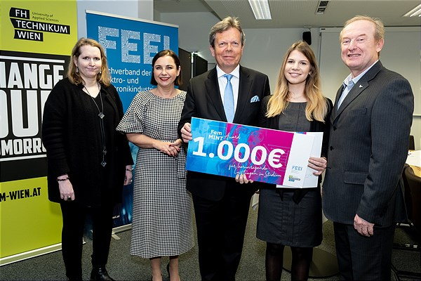 FemMINT-Award an Vanessa Völk